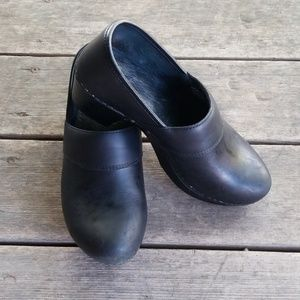 Dansko shoes size 38